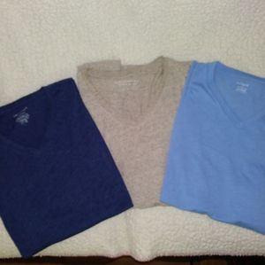 Mens v neck tee lot